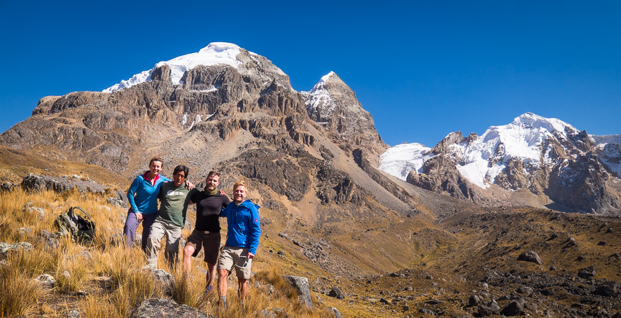 Group Photo on the way Punta Cuyoc - Cordillera Huayhuash